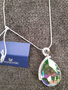 Brand New Tear Drop Pendant with Swarovski Crystals & Chain