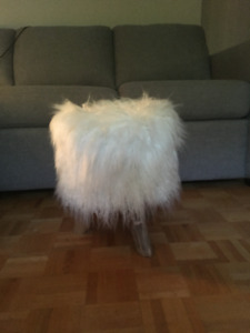 Tabouret blanc TRIBBLE Structube