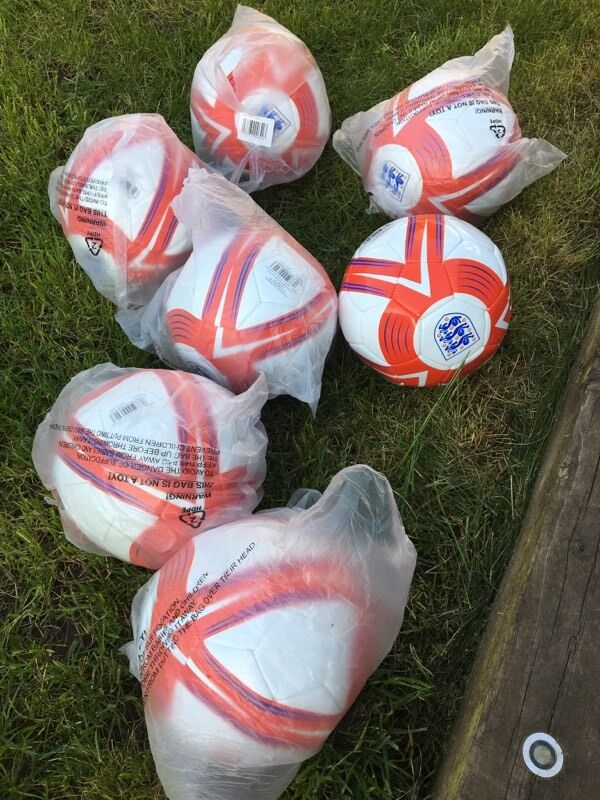 Football sports equipmentin Wollaton, NottinghamshireGumtree - Hi please find below the football items I have for sale....7x size 5 training balls £3 eachSet of approx 40 cones £1010x square hoops £2012x 180cm spring poles £3015x step over hurdles £205x semi circular hoops £109x step ladders various...