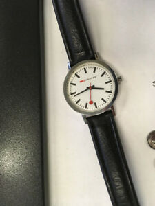 Ladies/Unisex Vintage Mondaine Classic Watch