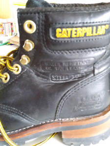 CAT steel toed boots, ladies size 8 (mens 7)