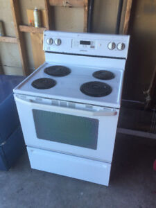 Maytag Super Capacity plus Stove For Sale