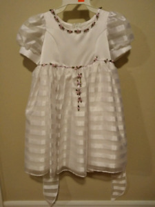Girls Dress with Head Decorations (4 to 6 years old) for Wedding
