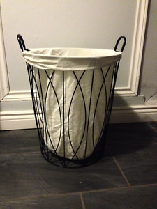 Black Metal Laundry Hamper With Cloth Liner