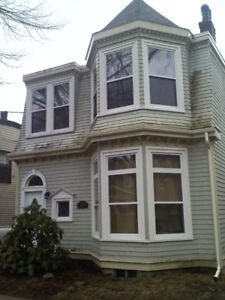 Sublet Special - 3 Bedroom - South End Wellington St.