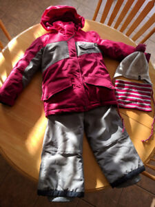 Chlorophylle Snowsuit age 6 with accessories