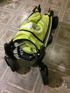 Quinny ZAPP folding stroller in excellent condition BARGAIN West Island Greater Montréal image 2