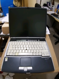Fujitsu S7020 2.0 Ghz Centrino WIN7 2gb RAM