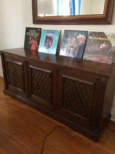 Mint condition vinyl record player - Vintage Hi fi stereo