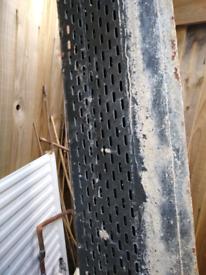 Steel cavity wall lintel
