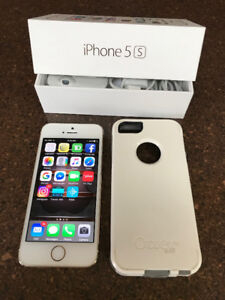 Iphone 5S. Gold with OtterBox