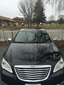 2012 Chrysler 200-Series Sedan - For Sale Excellent Condition