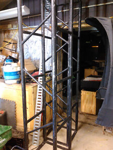 """4 8 foot sections of Black 20"""" truss"""