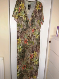 Quiz size 26 maxi dress
