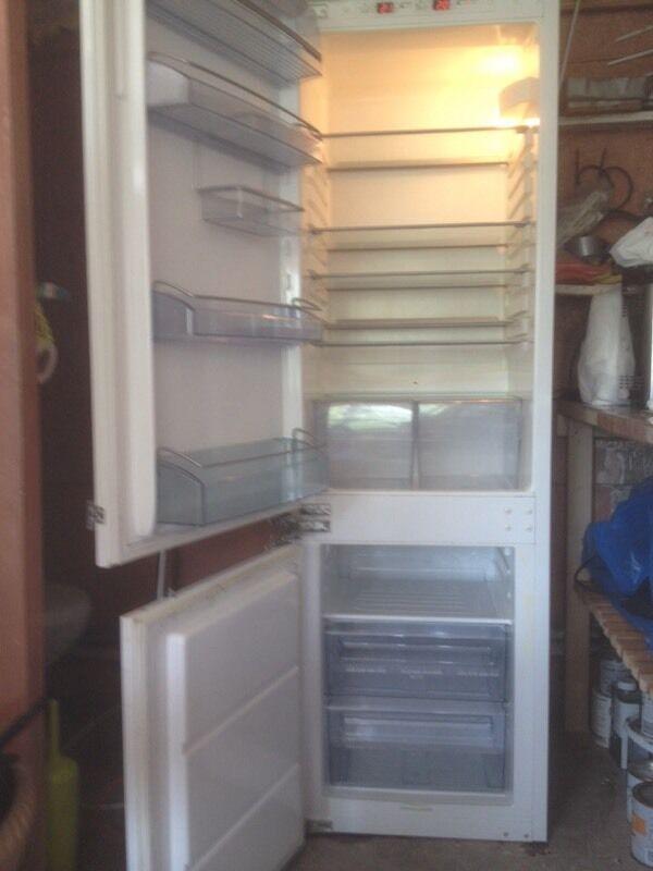 AEG Santo 70/30 inter grated fridge freezer