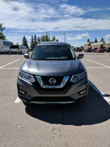 2017 NISSAN ROUGE SV AWD FOR SALE BY OWNER, NO GST, $22,500 OBO