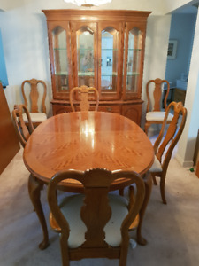 Traditional solid wood 10 Piece Dining Room Set - OBO