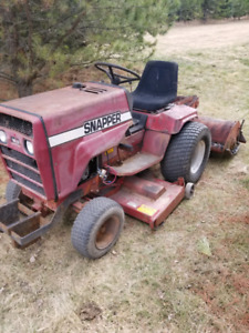 Snapper 1650 lawn tractor
