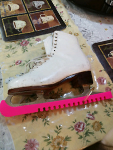 Figure skating skates for women 8.5 size