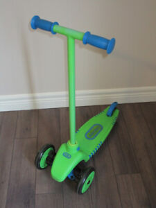 Little Tikes 3-Wheeled Scooter
