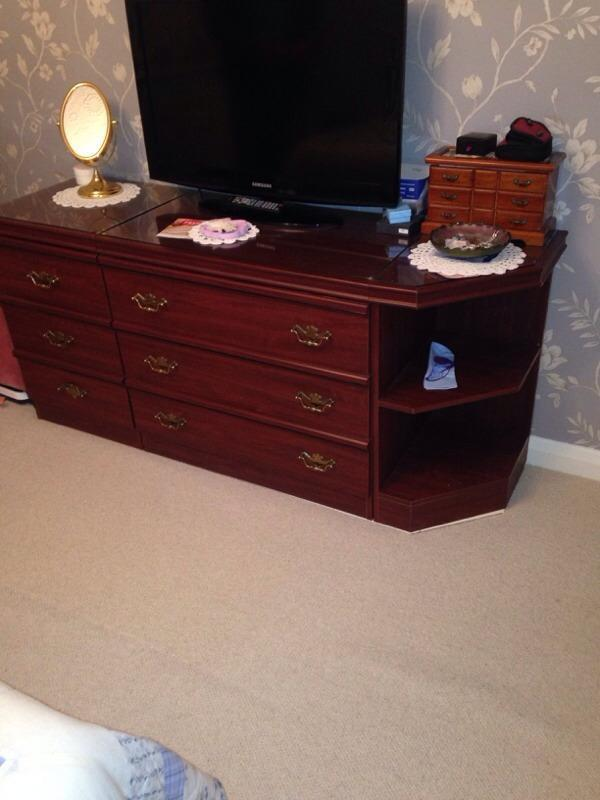 Schreiber mahogany buy sale and trade ads great prices for Furniture kingdom benfleet