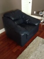 Leather couches. 2 piece Set