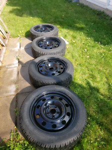 Winter tire 235/55/17 with 5 bolts rims