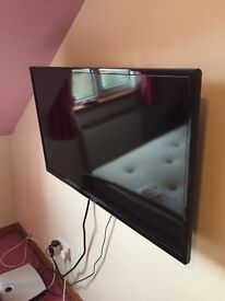 40-42 inch Celsius Tv wall mounted £85 ovno