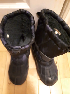 Size 4 Boys Snow Boots