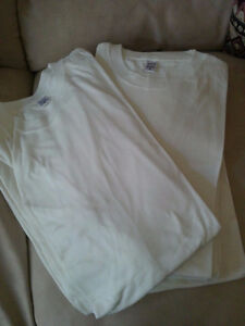 Brand new lot of 9 off-white colour adult crewneck t-shirt Small London Ontario image 1