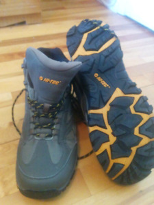 Men's size 11 hiking camping boots