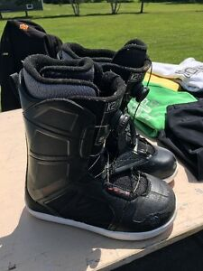 Snowboard downhill boots