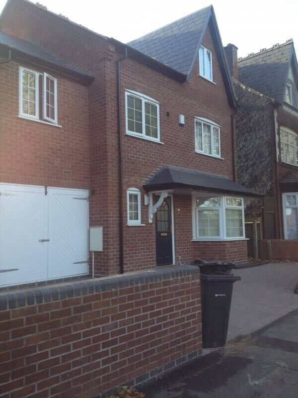 Room for rent in a 6 bed female house share