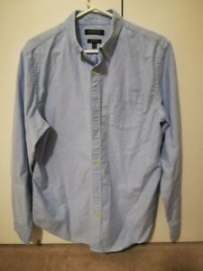 EUC Banana Republic men's denim dress shirt