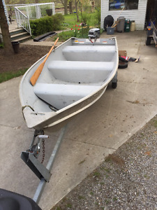 14' Lund with 15HP Evinrude and EZ Load Trailer