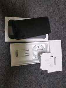 "BNIB iPhone 7 ""RARE"" Matte black color!! Kitchener / Waterloo Kitchener Area image 4"