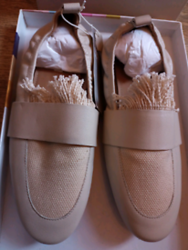 H&M linen and leather flat loafers. Size 37 (UK size 4)