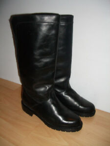 NEW ** COLLEGE ** Canada bottes d'hiver boots - size 9.5 -10 US