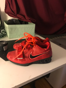 Nike Romaleos 1 / Original Red. Women's 6-7 and Men's 5. Lifting