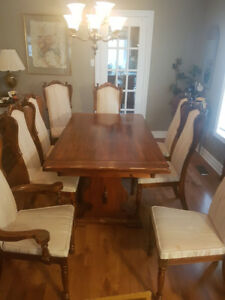 "Dining Room Table 100"" x 38"", Sideboard, Tea Wagon and 7 Chairs"