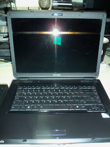 Toshiba Satellite L300 C2D 2.2ghz, 250GB HD, 3GB Ram, Win10 Pro