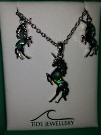 Tide jewellery Paua shell unicorn earrings and necklace set