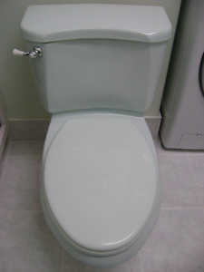 Excellent condition American Standard light green toilet