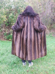 Vintage Soft Luxurious Real Beaver Fur Coats