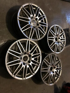 4 x Audi mags 18 pouces Neuf