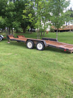 Car trailer and flat bed