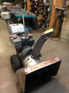 CRAFTSMAN SNOWBLOWER  8 HP WITH 25 INCH CUT. ELECTRIC START