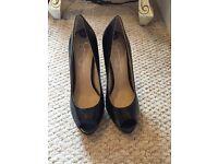 Open toe heels Size 3 1/2