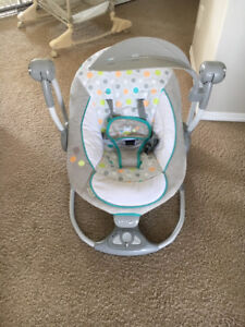 Baby swing like new-Lacombe