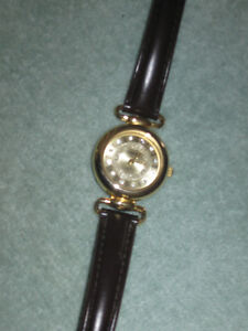 ....A Beautiful Little Lady's Watch... With Leather Strap!....